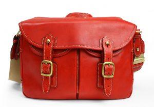女性にこそ使ってほしい!紳士向けだからこそおススメの「使えるバッグ」